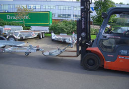 forklift truck using front push towbar